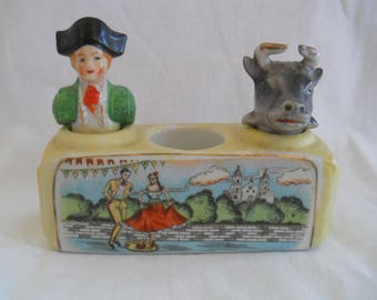 Matador and Bull Nodding Salt and Pepper Shakers - vintage, collectible