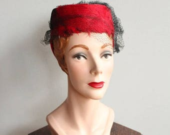 20% Off Sale // 1930s Hat // Bright Red Feather Tilt Hat // vintage 30s feather hat