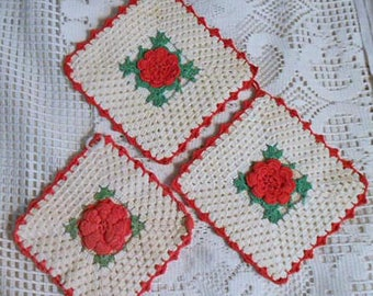 3 IRISH ROSE POTHOLDERS Crochet Red Roses Green Leaves Ivory Shell Stitches Scallop Border Loops, 1940 Kitchen Vintage Handmade St Pats Day
