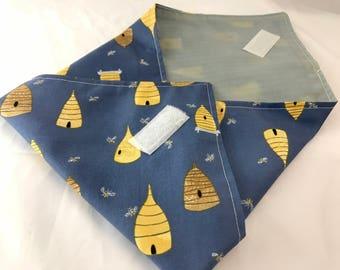 Reusable Sandwich Bag  Bee Sandwich Wrap - Reusable Sandwich Mat - Honey Bee in Navy