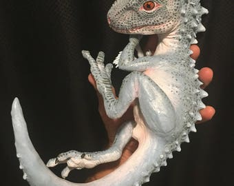 Indominus Rex hatchling sculpture