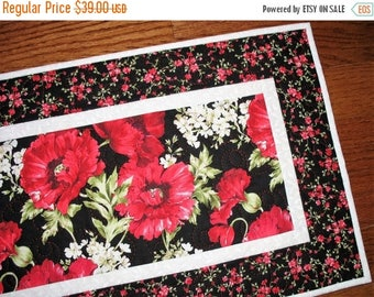 Sale Christmas in July Floral Table Runner, Poppies, handmade, quilted table runner, Wall Hanging