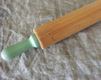 VINTAGE rustic high quality 1960's rolling pin. Rustic / Vintage kitchen