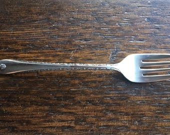 1940 Exquisite W.M. Rogers & Son IS Individual Salad Fork / Vintage Serving Replacement