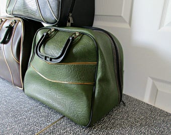 Vintage Bowling Bag - UNIQUE Green with Gold & Black Piping Faux Leather Bowling Bag - Retro Rockabilly Green Pleather Bowling Bag - GOOD
