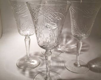 4 Crystal Glasses with Cut Pattern