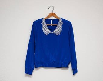 80's woman shirt: electric blue, v neckline, lace neckline, long sleeve, office attire, M size, romantic look, secretary style