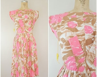 20% OFF SALE Vintage 1950s Dress / Pink Floral / Garden Party Dress / With Tags / XS