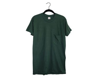 Vintage Dark Hunter Green Blank 5050 Poly-Cotton Blend Pocket T-Shirt, Made in USA - Large