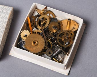 Treasure Chest, Lot of Vintage watch parts in little case, box