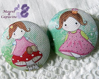 2 buttons doll cloth design, 1.25 in / 32 mm diameter