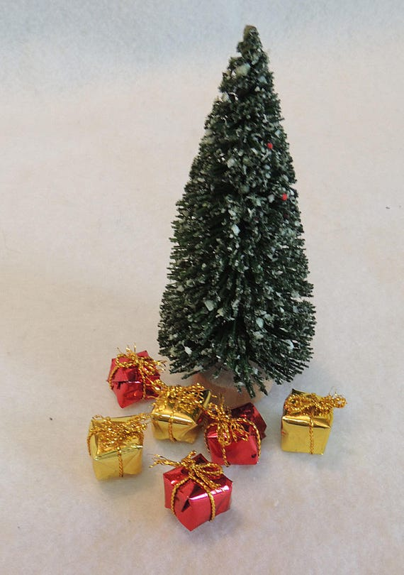 "Vintage Miniature Dollhouse 4"" Brush Christmas Tree With Wrapped Gifts"