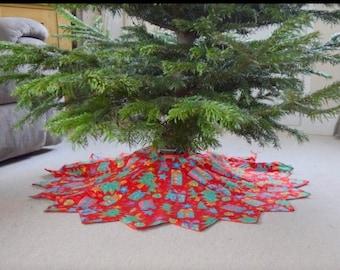 Dresden Tree Skirt