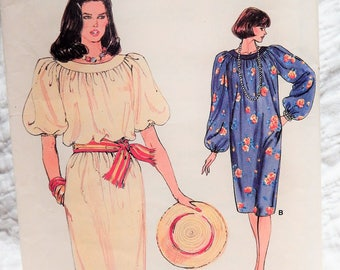 1980's Very Easy Vogue 9001 Pullover Dress Pattern sz 8-10-12 Uncut Complete