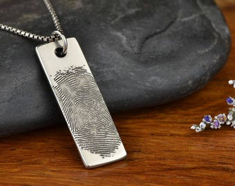 Thumbprint Necklace, Thumbprint Jewelry, Fingerprint Necklace, Fingerprint Jewelry, Mom Gift, Mom Necklace, Personalized necklace