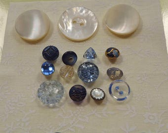 Small antique/vintage blue glass and mother of pearl buttons   (Ref D25)