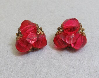 1960s  Red Acrylic Bead Clip Earrings, Vintage Red Clip On Earrings