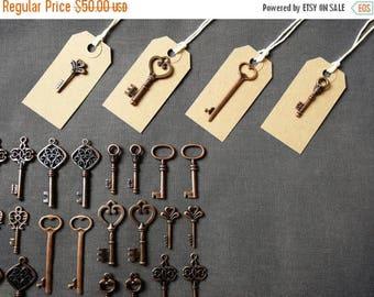 ON SALE Keys to Happiness - 100 Antique Copper Skeleton Keys & 100 Buff Luggage Tags - Wedding Skeleton Keys, Escort Card Vintage Keys