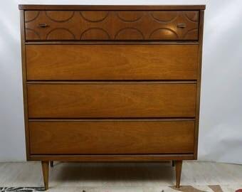 Basset Mid Century dresser / Vintage chest of drawers / Mid Century Modern chest / MCM furniture
