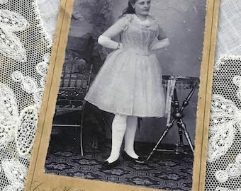 European Carte de Visite of a Woman All Dressed Up CdV Cabinet Card 9018