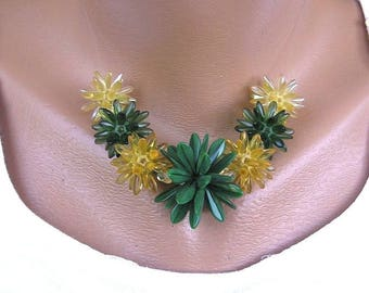 Green and Yellow Beaded Necklace/ Bedwork necklace/ Beadwoven necklace/ Beadweaving necklace/ Czech glass beads