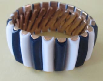 Vintage Blue and White Expansion Bracelet - Marked Hong Kong