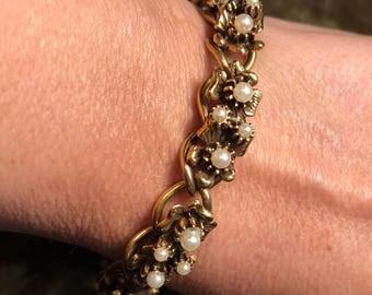Vintage Bracelet Faux Pearl Gold Tone Chain