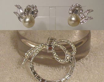 Crystal Baguette Bow Ribbon Wreath Brooch and Clip On Bow Pearl Earrings 1950s