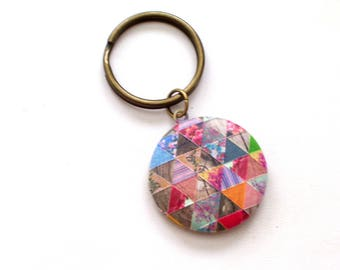 Floral Geometric Locket Key Chain, Patchwork Quilt Locket, Floral Locket, Embossed Locket, Round Locket, Antiqued Brass Plated Key Ring