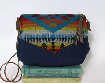 Basket maker. Crossbody zipper purse - Summer purse - Small canvas bag - Cross over- Southwestern -Ombre- Tribal - Blue - Teal Ready to ship