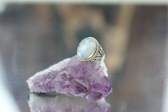 STATEMENT MOONSTONE RING - Sterling Silver Ring- Moonstone Ring- Healing Crystal Jewellery- Chakra Ring- Statement Ring- Boho- Vintage