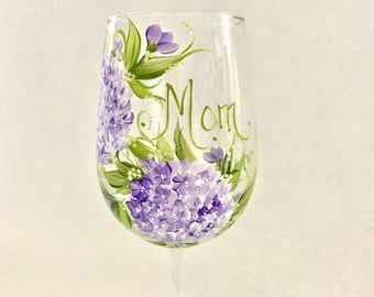 Lavender hydrangea personalized wine glass for mom sister aunt friend cousin bridesmaid grandma sister in law niece etc