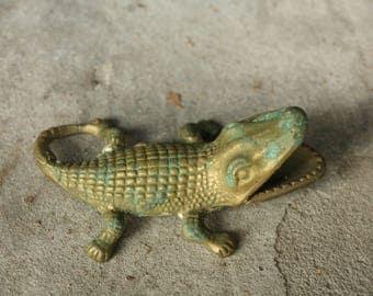 Solid Brass ALLIGATOR ASHTRAY Personal Size Ash Tray Gator Crocodile Novelty Tobacianna Cigarette Smoker Incense Burner open mouth figurine