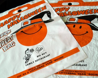 """Pair of RARE 1960s Bob's Big Boy Halloween Treat Bags--Excellent Condition, Never Used--15-1/4"""" Long x 11-1/4"""" Wide"""