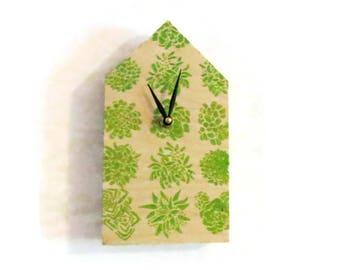 Wall Clock, Air Plants, Tillandsia, Wood House,  Minimalist Clock,  Small Wall Clock, Home Decor, Home and Living, Wall Clock