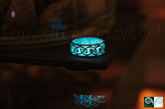 Populaire CELTIC Ring / Sterling Silver Ring / GLOW in the DARK / Glow LI59