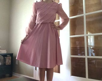 Pale Pink 70s Ruffly Dress // vintage