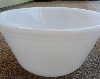 "Vintage Federal Glass  9"" milk glass mixing bowl with double ring"