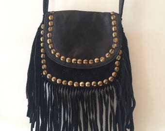 Sac bohème boho Gypsy en cuir noir à franges clouté/ sac bandoulière ethnic ethnique