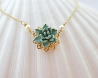 Dusty Mint Succulent Necklace. Succulent jewelry. Succulent Necklace. Succulent Wedding theme.