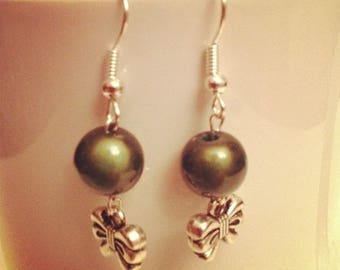Bows and khaki beads earrings