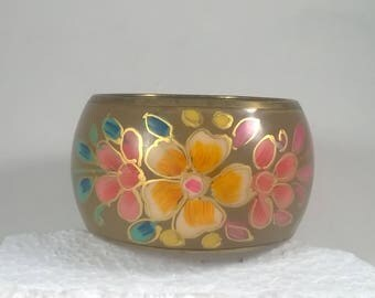 Thick Brass  Bangle - Chunky Thick Bracelet with a Bright Flower Pattern - Vintage Retro Costume Jewelry 1980's