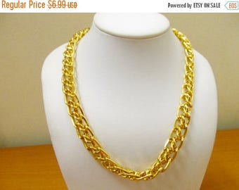ON SALE Chunky Gold Tone Link Collar Necklace Item K # 2974