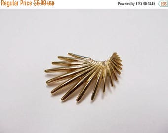 ON SALE Vintage Abstract Gold Tone Pin Item K # 1416