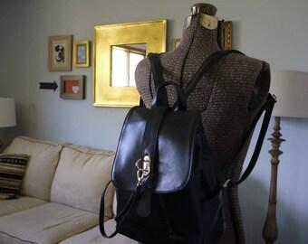 SALE!! Ladies Backpack Camera Bag    DSLR Backpack  Digital SLR Camera Bag