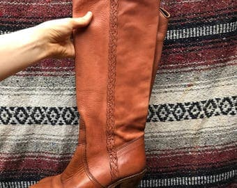 Vintage Tall Western Heeled Chestnut Leather Boots: 7