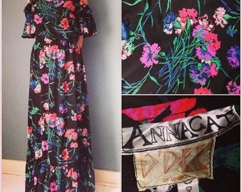 1970s Floral Maxi Dress in Black & Pink