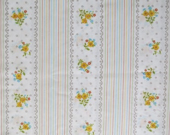 Vintage Sheet - Scalloped Lace Floral Stripe - Full or Double Flat Sheet