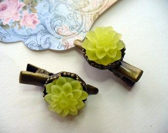 Yellow Chrysanthemum Hair Clips, Antique Brass Clip, Floral Jewelry, Hair Accessory, Crown Hair Clip, Hair Care, Yellow Dahlia, Flower Girl