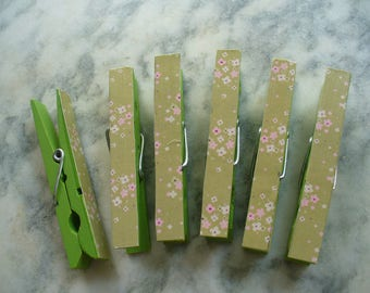 Green Decorative Clips, Floral Clothspins, Wooden Pegs, Picture Clips, Office Clips, Large Painted Clothes Pins, Message & Bulletin Boards